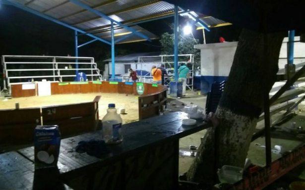 Matan a exregidor de Pánuco durante balacera en pelea de gallos