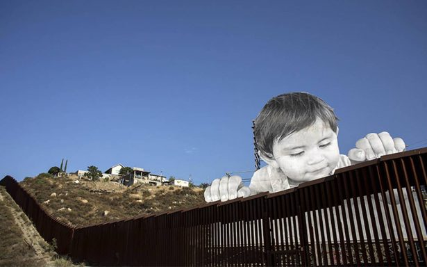 Kikito, el bebé que asoma su inocencia en la polémica frontera de México