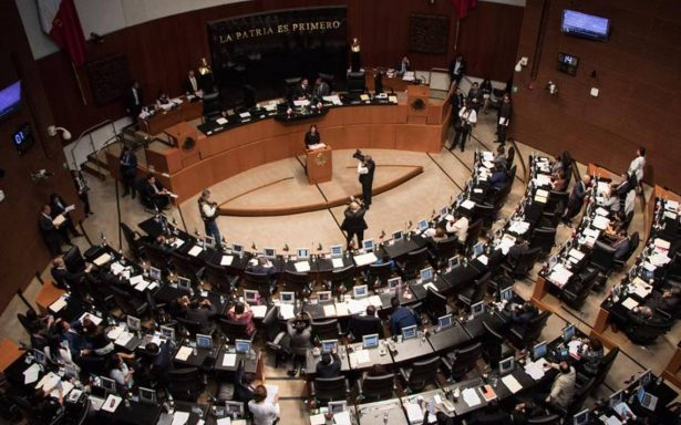 Senadores de Morena presentan iniciativa para revocación de mandato