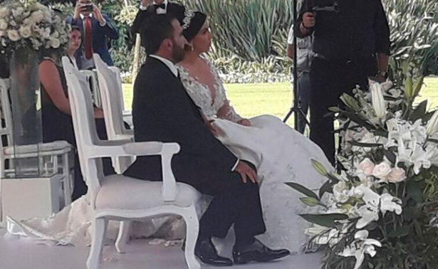 Sin Chente y Doña Cuquita, se casan Fernández Jr y Karina Ortegón