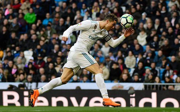 Doblete de Cristiano Ronaldo y el Madrid sigue grande en España