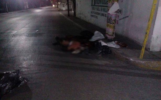 Dejan tres cuerpos sin vida en calles de Texmelucan