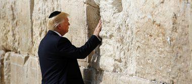 Trump, primer presidente de EU que visita el Muro de las Lamentaciones