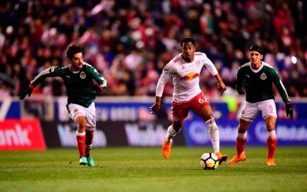 Chivas aguantó ofensiva de NY y está en la final de Concachampions