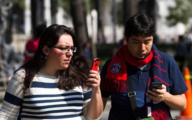 Parejas discuten por uso excesivo de smartphones