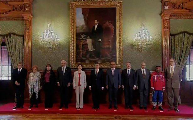 Entrega Peña Nieto los premios nacionales de Ciencias, Artes y Literatura 2017