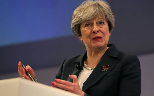 Frágil situación de Theresa May en el poder británico