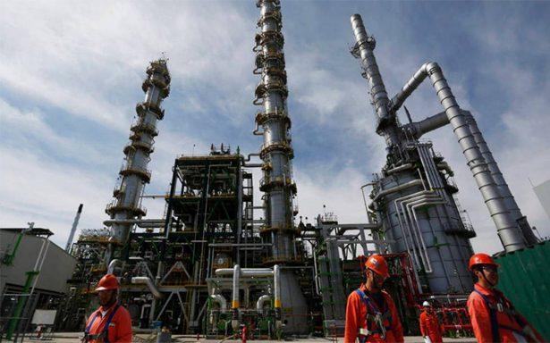 Frenan multa a Pemex por vender gasolina de mala calidad