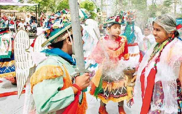 """Miles de turistas en la Cumbre """"El Brillo de la Memoria"""" en Tajín"""
