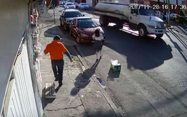Pipa jala unos cables y avienta a una niña en Puebla