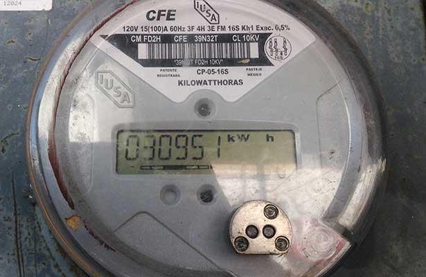 Denuncian a la CFE por el cambio de medidores