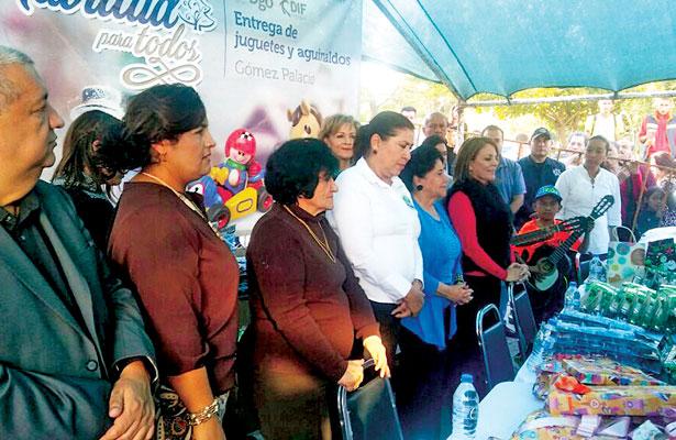 Entregó Elvira Barrantes10 mil juguetes a infantes