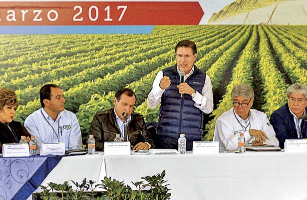 Durango avanza en producción y calidad agropecuaria: Aispuro