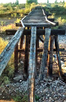En el olvido, puente del ferrocarril en Canatlán
