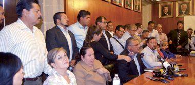 Refrendan directores respaldo al rector