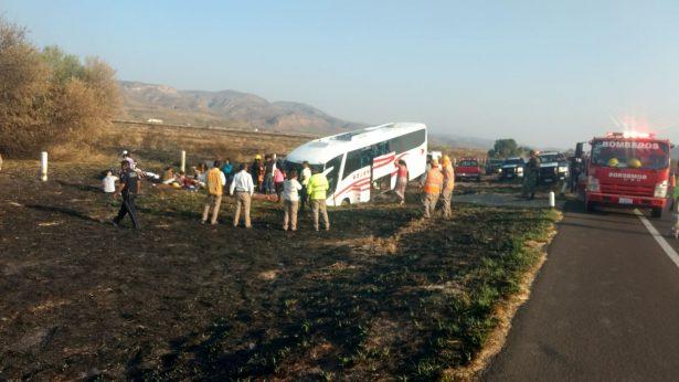 Camionazo en Durango-Gómez Palacio; chihuahuenses iban a Mazatlán