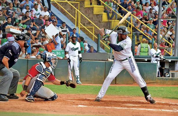 Daniel Mayora no conectó de hit en cuatro turnos a la caja de bateo, recibió dos bases por bolas, uno de ellos intencional.