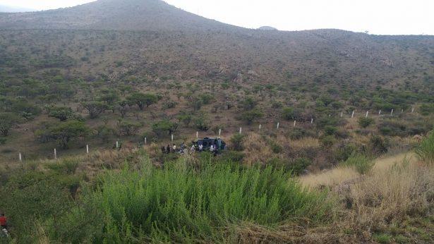Vuelca familia saltillense en autopista a Torreón; muere niña