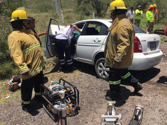 León Guzmán: Encontronazo deja 8 lesionados en carretera Lerdo