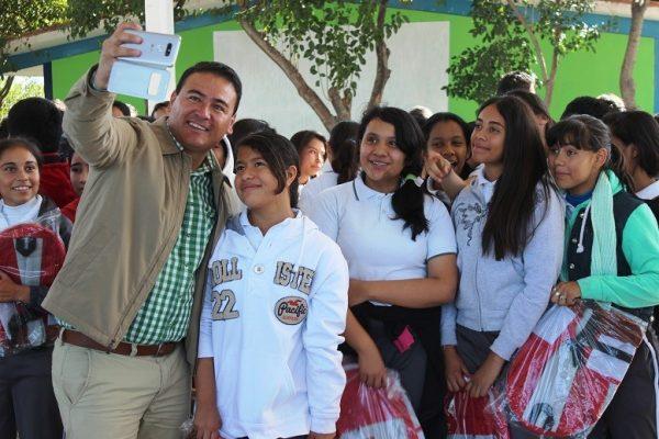 Anuncia Ismael Guerrero la 2a entrega de mochilas