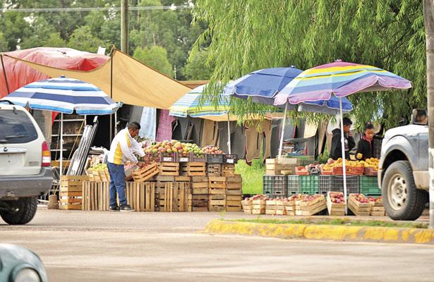 Crece el comercio informal en Canatlán