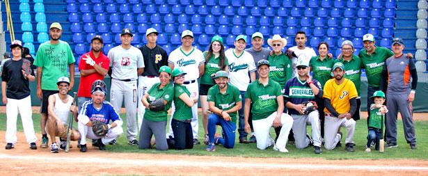 Club Generales de Durango, tuvo un bonito detalle al convivir con los cronistas deportivos en un encuentro de softbol con pelota floja.