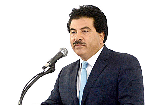 Reconoce José Ramón Enríquez a EPN