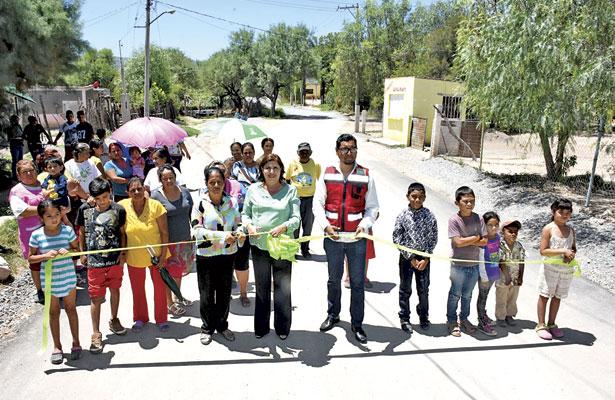 Inaugura MLGA carreteraEl Refugio-Santa Anita