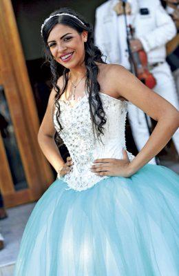 Fernanda en sus quince años