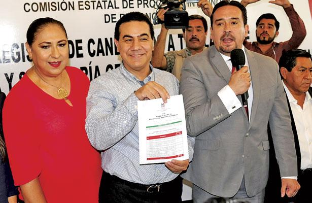 Se registra Benítez para dirigir el CDE del PRI