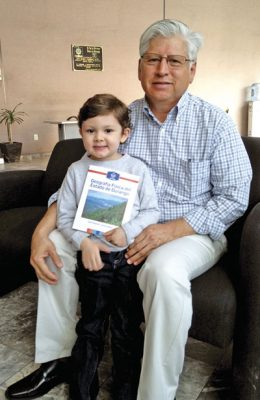 Lozoya Amaro presenta libro sobre Geografía