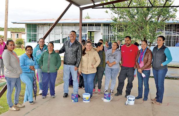 Lleva alcalde apoyos acomunidades de Poanasafectadas por las lluvias