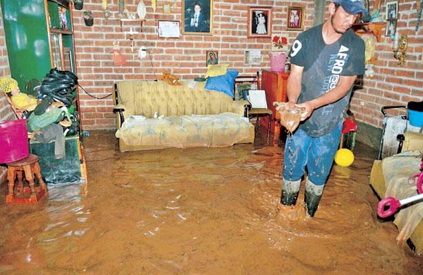 Se inundaron viviendas de La Joya, Poanas