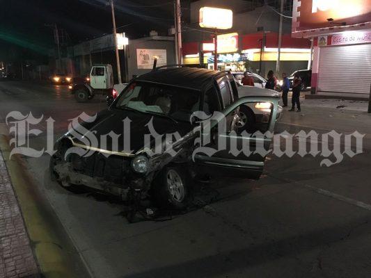 Aparatoso choque deja 5 personas lesionadas