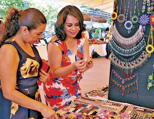 Impulsa DIF Municipal la elaboración de artículos artesanales