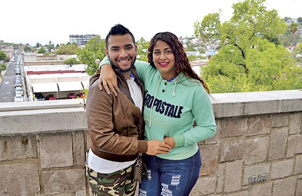 NUEVO IDEAL, Dgo. (OEM).- Bonita amistad comparten Yair Güereca y Alejandra Payán.