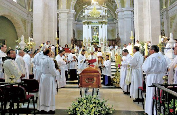 Despide Iglesia al arzobispo emérito José Trinidad Medel