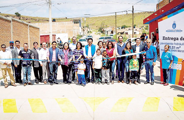 Entregó Municipio pavimento en Col. Gobernadores