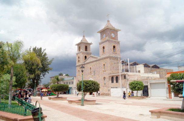 VILLA UNIÓN Poanas. Dgo. (OEM).- La preciosa postal del templo de Nuestra Señora de Guadalupe engalana esta sección.