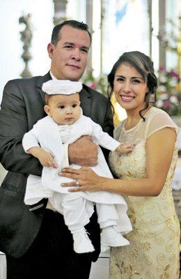 Emotivo bautizo de Alfonso Nathaniel