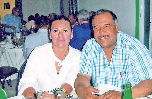 Captamos al ingeniero Santiago Sánchez y a su gentil esposa Hilda de Sánchez en evento del club.