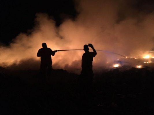 Se incendia relleno sanitario en Lerdo