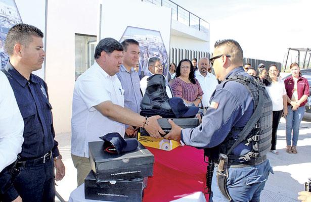 Entrega SSP, patrulla al Ayto. de Cuencamé