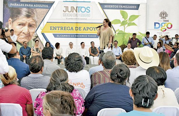 Entrega alcaldesa LHA recursosa personas vulnerables de Gómez