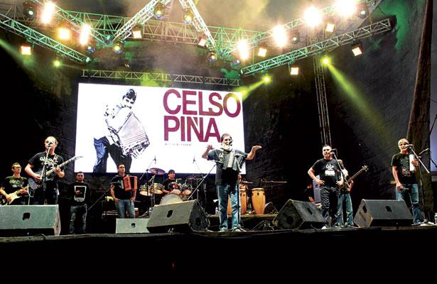 Cierra con éxito CelsoPiña Festival Revueltas