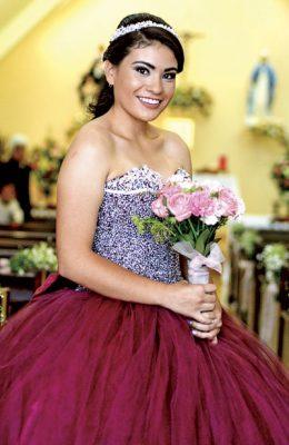 Ana Valeria cumplió quince años
