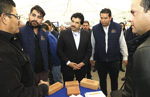 Inicia Municipio laconstrucción de losasy cuartos en zona rural