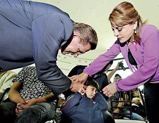 Entrega Aispuro 161 aparatos funcionales a 10 municipios