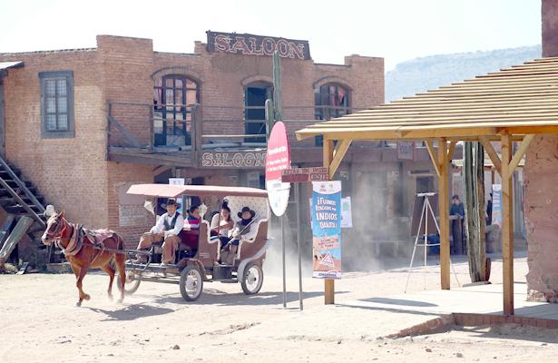 Presenta productor de TV propuesta para detonar el paseo del Viejo Oeste