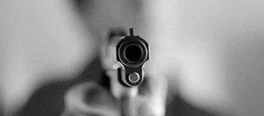 Insensato dispara tiros al aire en la plaza San Juanita